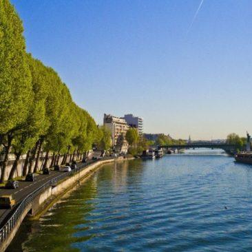 Su boyunda Paris